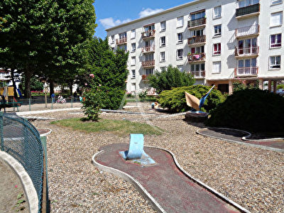 DRANCY-Appartement F4,3.chbs,balcon,Cave,Parkings