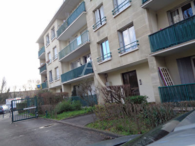 Appartement F4-72 m2.Balcon.Cave.Parking